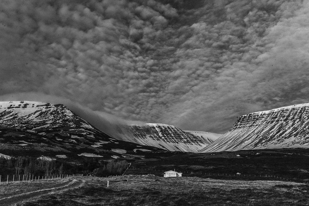 icelandic-blackscape-iv-by-leingad-da24bo6xlarge1464252910.jpg